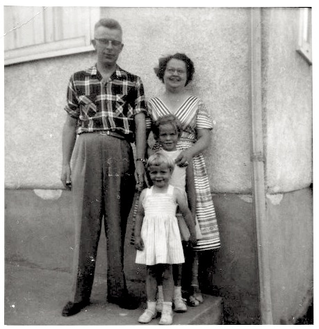Mom,Dad,Rae,Ann-1959?