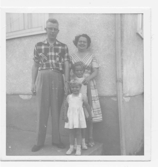 Dad,Mom,Rae,Ann195?